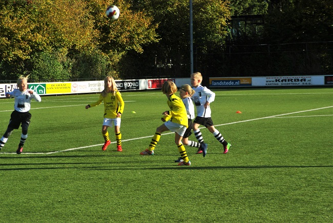 Meisjesteam SV Zwolle JO10-2 boekt zege 8