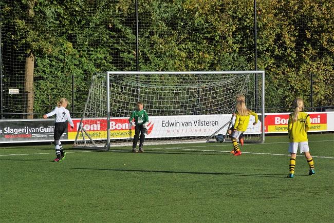 Meisjesteam SV Zwolle JO10-2 boekt zege 9