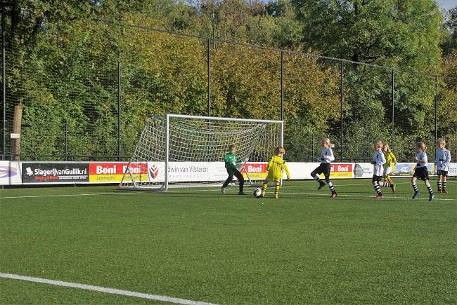 Meisjesteam SV Zwolle JO10-2 boekt zege 10