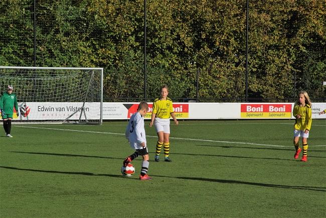 Meisjesteam SV Zwolle JO10-2 boekt zege 14