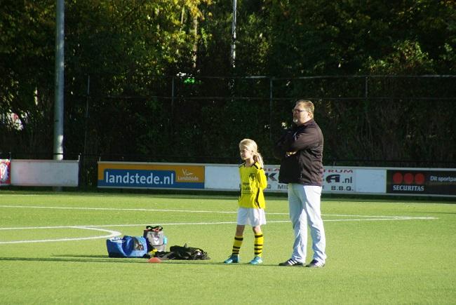 Meisjesteam SV Zwolle JO10-2 boekt zege 15