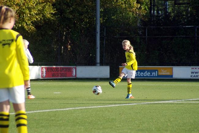Meisjesteam SV Zwolle JO10-2 boekt zege