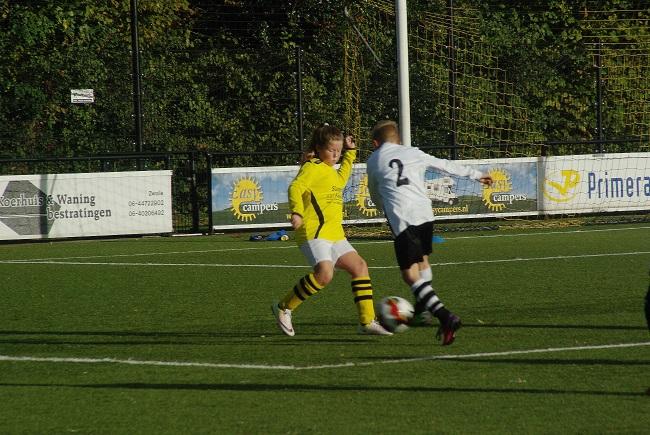 Meisjesteam SV Zwolle JO10-2 boekt zege 18