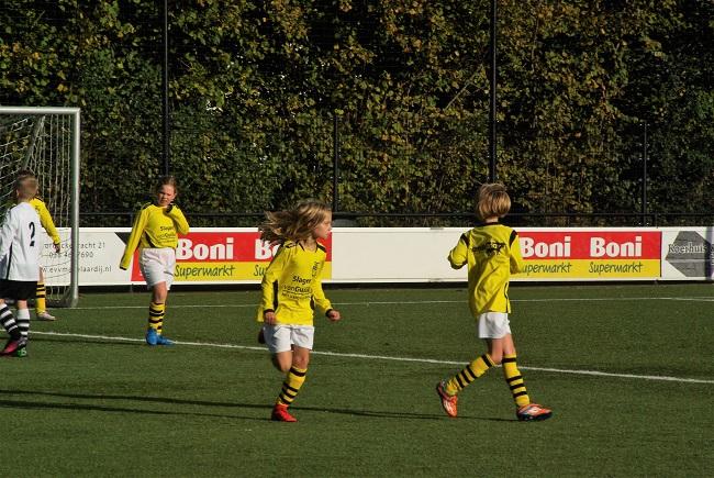 Meisjesteam SV Zwolle JO10-2 boekt zege 19