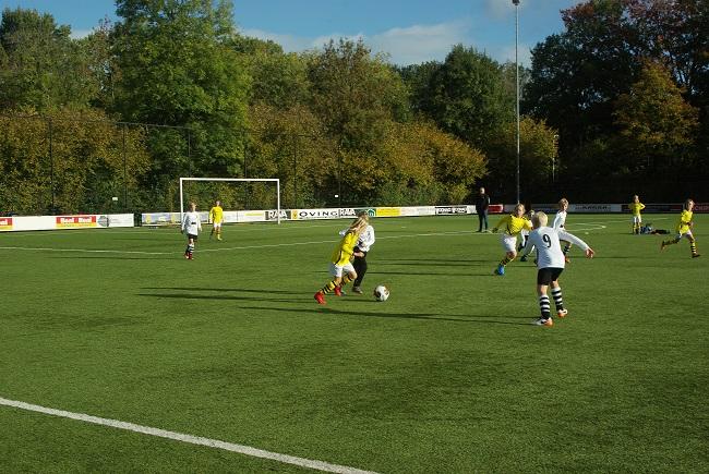 Meisjesteam SV Zwolle JO10-2 boekt zege 22