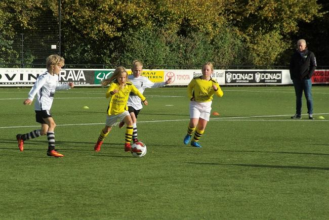 Meisjesteam SV Zwolle JO10-2 boekt zege 23