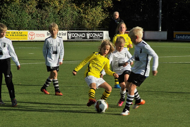 Meisjesteam SV Zwolle JO10-2 boekt zege 25