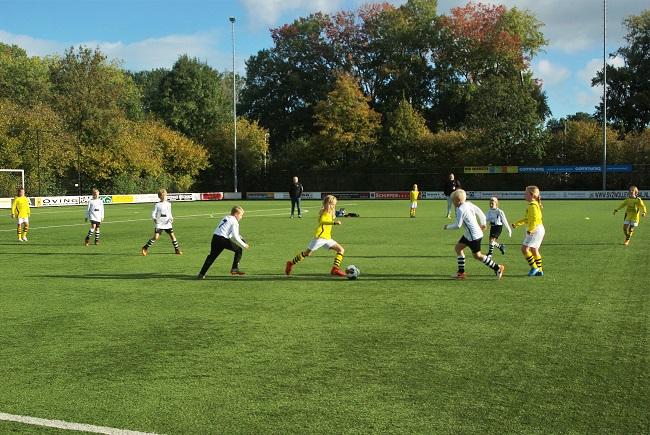 Meisjesteam SV Zwolle JO10-2 boekt zege 26