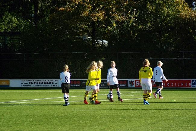 Meisjesteam SV Zwolle JO10-2 boekt zege 1