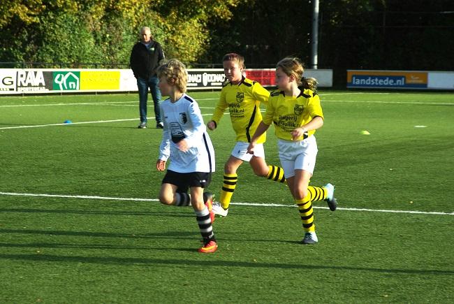 Meisjesteam SV Zwolle JO10-2 boekt zege 34