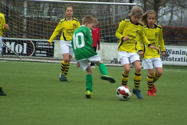 Meiden SV Zwolle JO10-2 hebben de langste adem 8