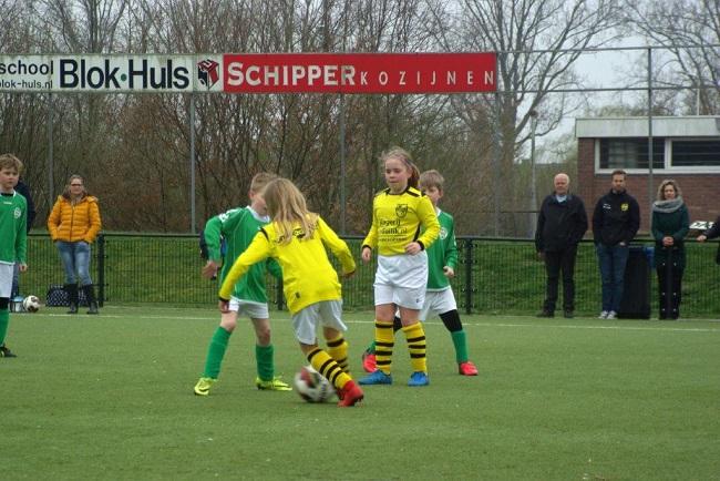 Meiden SV Zwolle JO10-2 hebben de langste adem 12