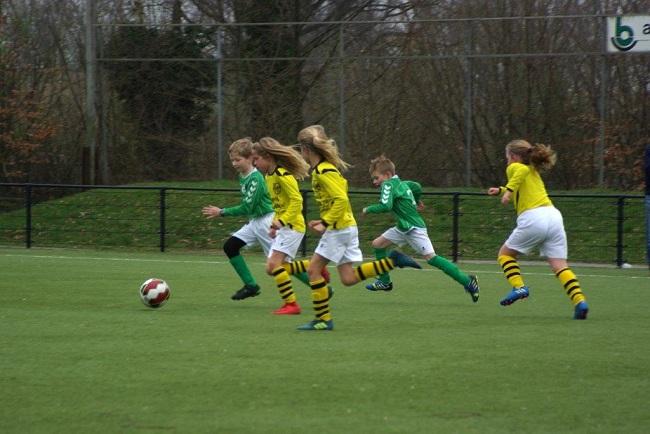 Meiden SV Zwolle JO10-2 hebben de langste adem 18