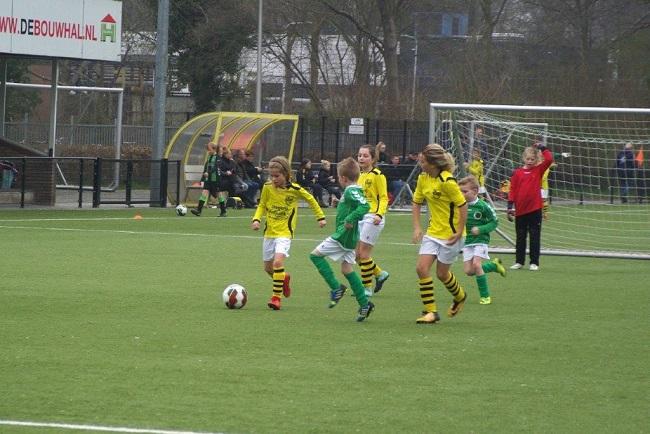 Meiden SV Zwolle JO10-2 hebben de langste adem 23