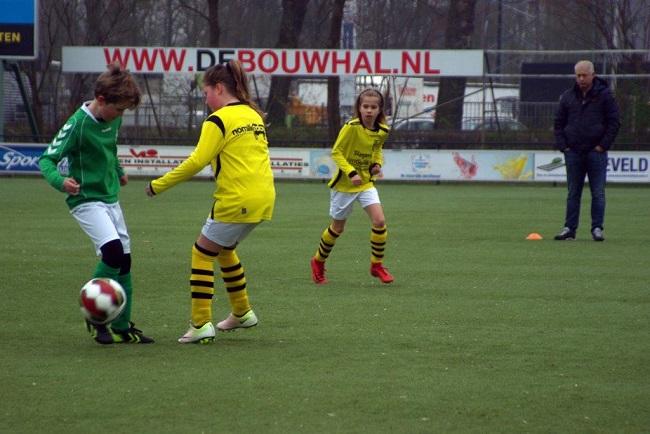 Meiden SV Zwolle JO10-2 hebben de langste adem 1