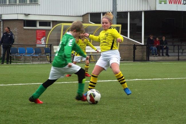 Meiden SV Zwolle JO10-2 hebben de langste adem 30