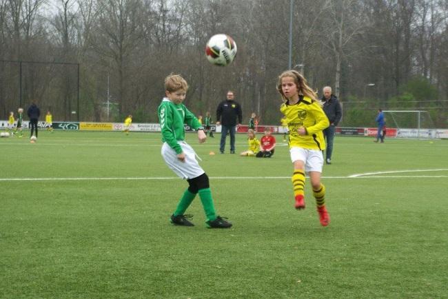 Meiden SV Zwolle JO10-2 hebben de langste adem 31
