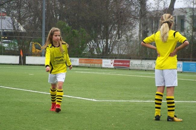 Meiden SV Zwolle JO10-2 hebben de langste adem 33