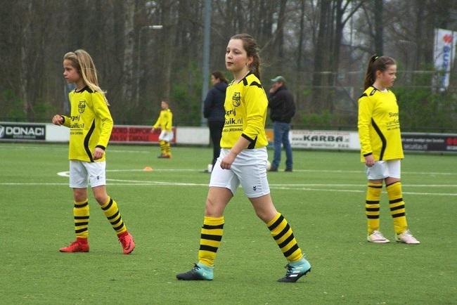 Meiden SV Zwolle JO10-2 hebben de langste adem 34