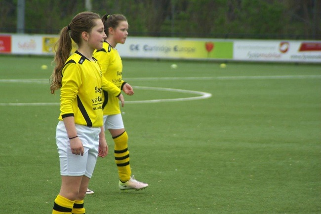 Meiden SV Zwolle JO10-2 hebben de langste adem 35