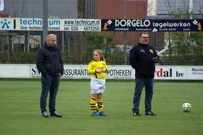 Meiden SV Zwolle JO10-2 hebben de langste adem 36