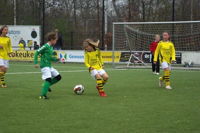 Meiden SV Zwolle JO10-2 hebben de langste adem 4