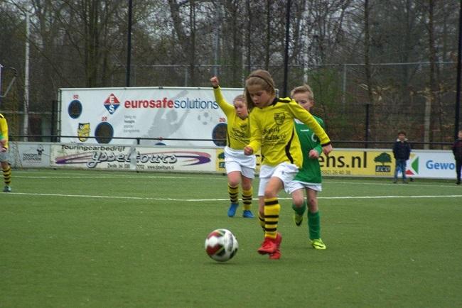 Meiden SV Zwolle JO10-2 hebben de langste adem 6