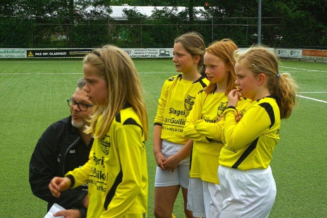 Laatste competitiewedstrijd van meiden SV Zwolle JO10-2G 10