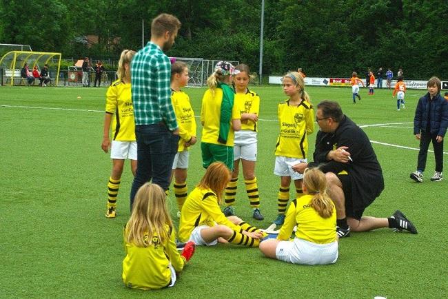 Laatste competitiewedstrijd van meiden SV Zwolle JO10-2G 11