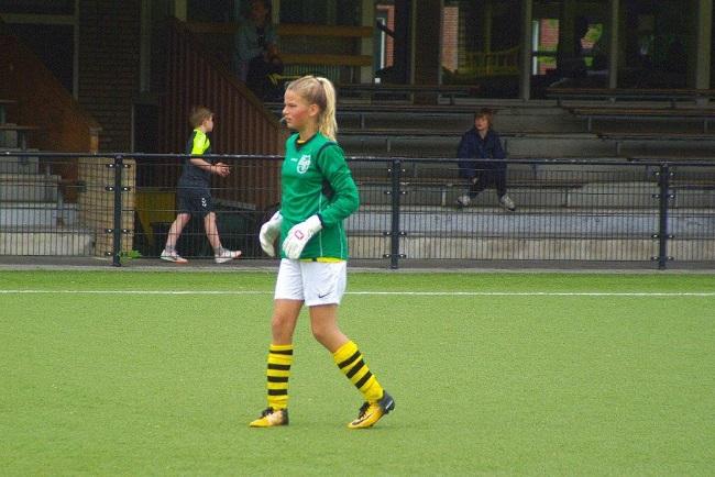 Laatste competitiewedstrijd van meiden SV Zwolle JO10-2G 13