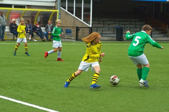 Laatste competitiewedstrijd van meiden SV Zwolle JO10-2G 14