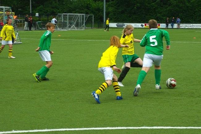 Laatste competitiewedstrijd van meiden SV Zwolle JO10-2G 15