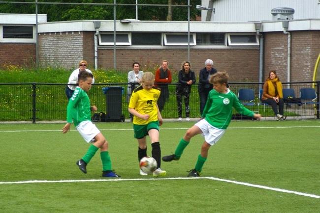 Laatste competitiewedstrijd van meiden SV Zwolle JO10-2G 17