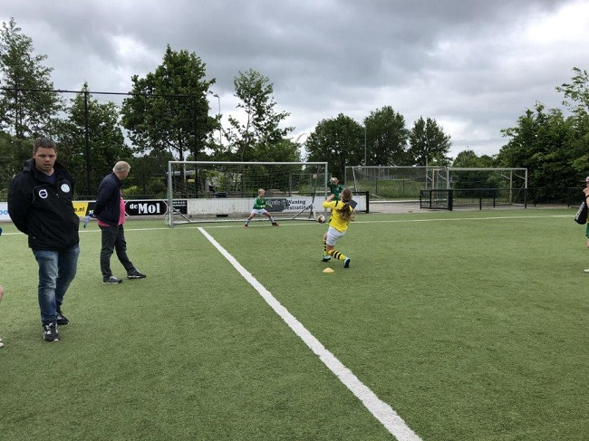 Laatste competitiewedstrijd van meiden SV Zwolle JO10-2G