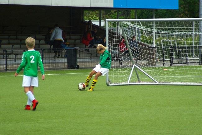 Laatste competitiewedstrijd van meiden SV Zwolle JO10-2G 18
