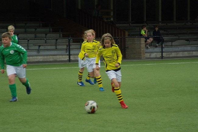 Laatste competitiewedstrijd van meiden SV Zwolle JO10-2G 19