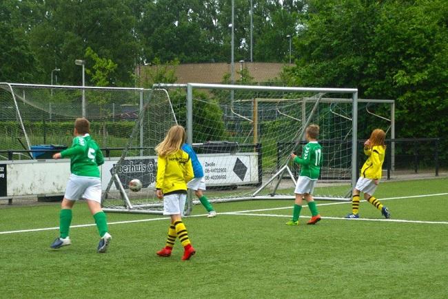Laatste competitiewedstrijd van meiden SV Zwolle JO10-2G 21