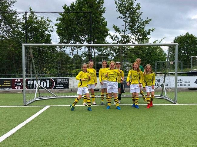 Laatste competitiewedstrijd van meiden SV Zwolle JO10-2G 2