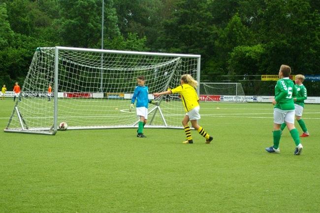 Laatste competitiewedstrijd van meiden SV Zwolle JO10-2G 4