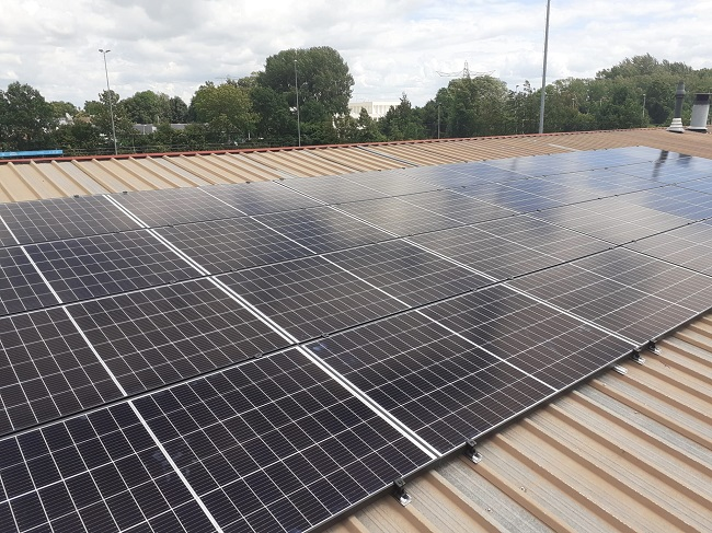 Zonnepanelen op dak van kantine SV Zwolle